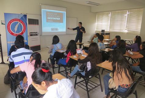 Taller de Periodismo de Investigación en Chimbote