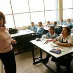 Saludamos a los maestros y maestras en su día