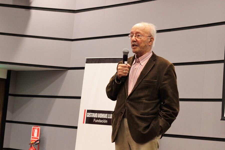 """""""Desaparecer la vinculación del periodismo con el negocio"""", Javier Darío Restrepo durante conferencia magistral en Lima"""