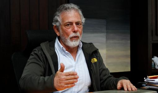 Interrumpen exposición de Gustavo Gorriti en el LUM